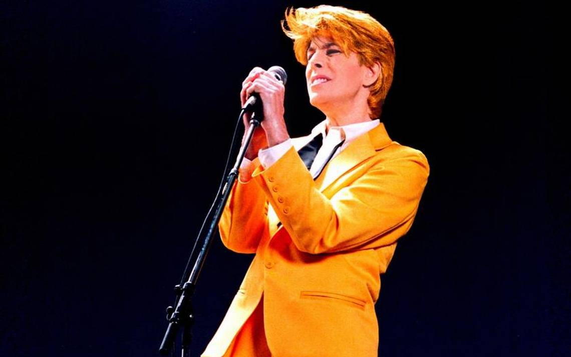 david_brighton_as_bowie-1